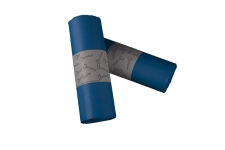Bolsa de basura  85x100 AD,azul, industrial para cubos de 100 litros. Uso indicado en sector como: Hostelería, limpieza, industria, lavanderías, jardinería y hospitalario. Peso rollo: 286grs (+/-) Caja de 40 rollos de 10 bolsas.