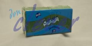 Servilleta de color verde 20x20 de 2 capas, en calidad tissue microgofrada. Indicada para desayunos, meriendas, posavasos, cóctel,etc. Caja de 28 paquetes de 100 servilletas.