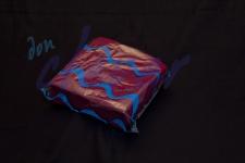 Servilleta para comedor de color burdeos 40x40 de 2 capas, calidad tissue. Caja de 16 paquetes de 50 servilletas.