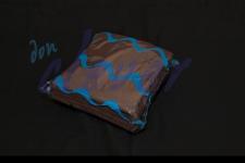 Servilleta para comedor de color marrón chocolate 40x40 de 2 capas, calidad tissue. Caja de 16 paquetes de 50 servilletas.